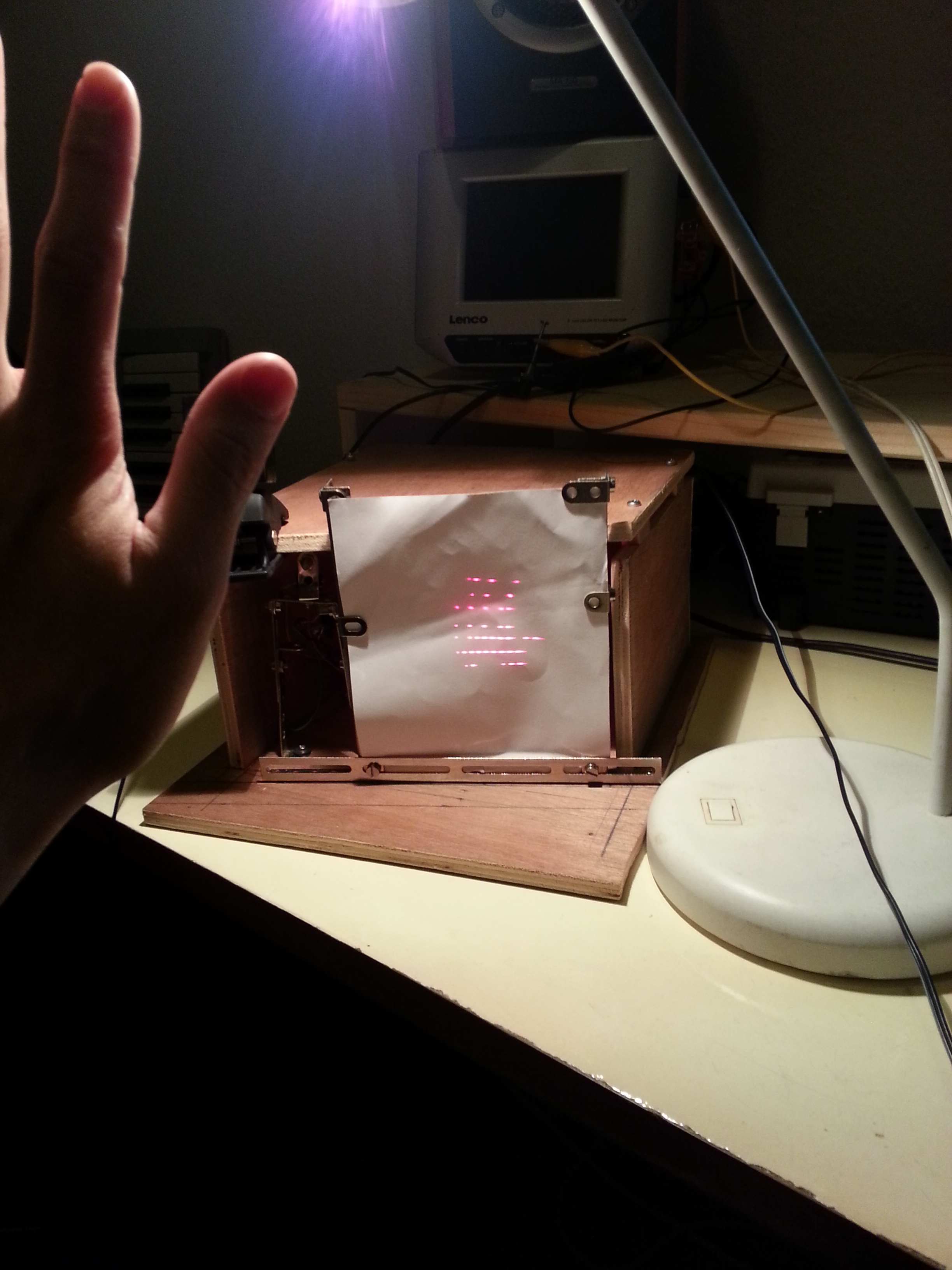 16×8-pixel-laser-projector | The
